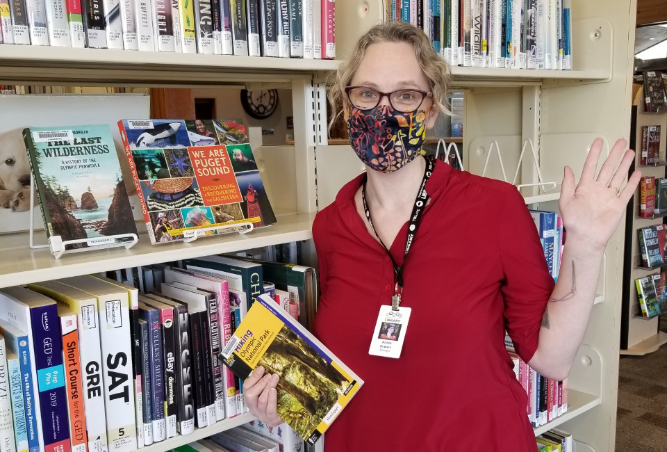 Hoodsport Library Manager